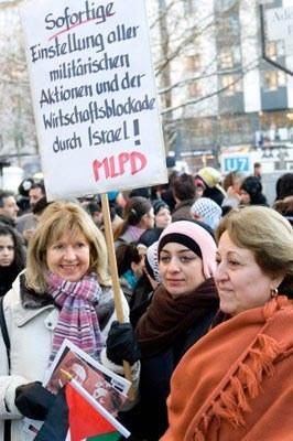 Demonstrationen gegen israelische Bombenangriffe: deutschland- und weltweit