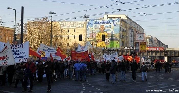 Revolution vor 90 Jahren blutig niedergeworfen - Gedenken entwickelt sich zur Demonstration für den Sozialismus
