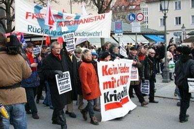 München: 6.000 Menschen demonstrieren gegen Nato-Strategiekonferenz
