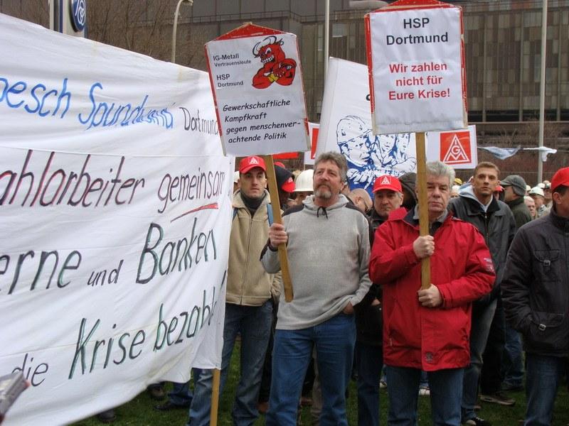"""Stahlarbeiterprotest gegen """"Kriegserklärung"""" des ThyssenKrupp-Vorstands"""