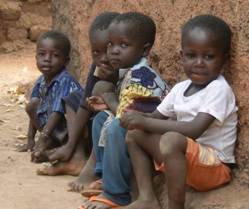 Weltwirtschaftskrise lässt Kinder- und Müttersterblichkeit steigen