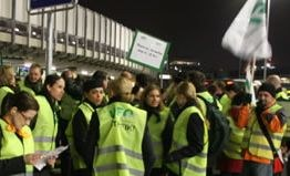 Streikbereitschaft lässt Lufthansa-Vorstand einknicken