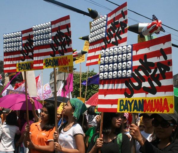 Philippinen: Barack Obama weigert sich, US-Truppen abzuziehen - Volksbewegung organisiert Protest
