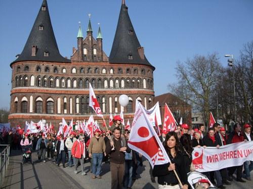 Demonstration gegen Entlassungen in Lübeck