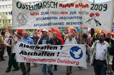 """Ostermärsche 2009: Einig gegen Auslandseinsätze der Bundeswehr, Auseinandersetzungen um """"Obamania"""""""
