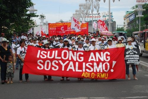 Manila am 1. Mai: Marsch der 30.000 zur US-Botschaft