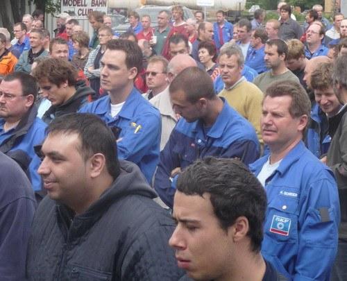 5.000 Arbeiter aus Schweinfurter Großbetrieben gegen die Abwälzung der Krisenlasten auf der Straße