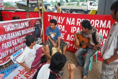 Philippinen: Polizei zerstört Protestdorf der Bauern in Manila