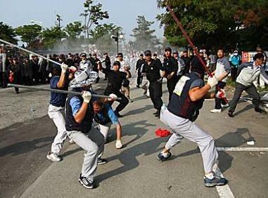Streik und Betriebssetzung im südkoreanischen Ssangyong-Motorenwerk gehen weiter