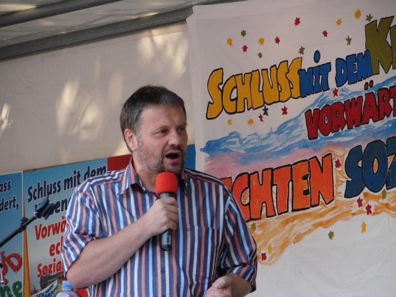 """""""Wir sind fest entschlossen, das Rad der Geschichte vorwärts zu drehen ..."""" - Wahlkampfauftakt der MLPD in Hamburg"""