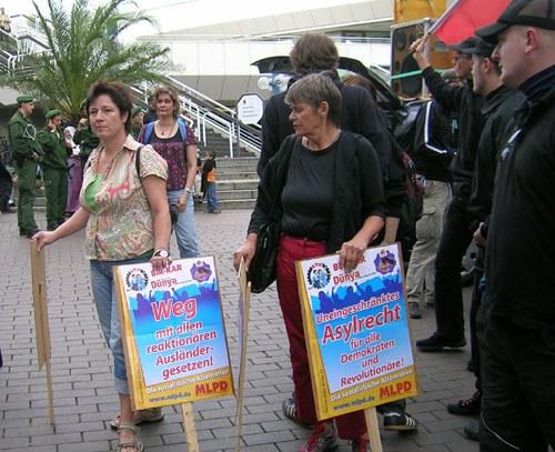 """Demonstrationen: """"Weg mit der Residenzpflicht!"""""""