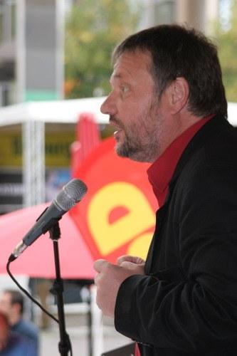 """""""Die MLPD ist die einzige Partei, die sich mit den Kapitalisten anlegt"""" - Wahlkampfauftakt der  MLPD in Gelsenkirchen"""