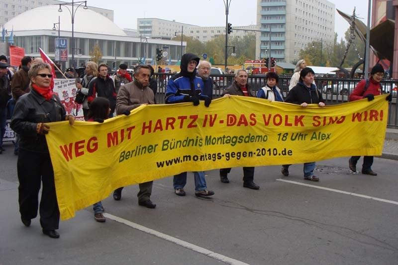 """""""Eine Begrüßung der besonderen Art an die neue Regierung …"""" - Bundesweite Herbstdemonstration in Berlin"""