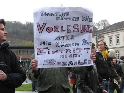 Tübingen: Besetzter Hörsaal nach Polizeidrohungen geräumt