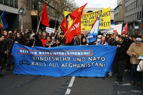 Stuttgart: Jugendbündnis ergreift Initiative für Demo gegen Afghanistan-Einsatz der Bundeswehr