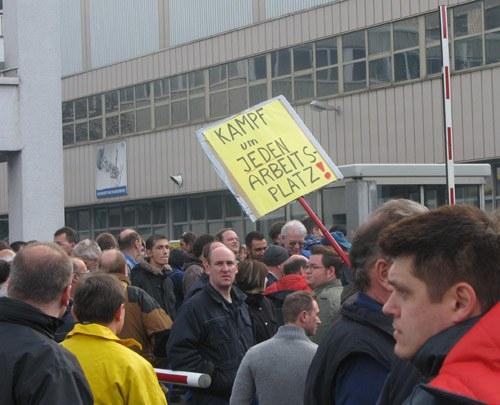 Spätschicht-Versammlung in Sindelfingen: Nur der Vorstand blieb sitzen!