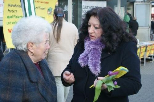 """Internationaler Frauentag: Trotz Eiseskälte """"heiße Herzen für den gemeinsamen Kampf der Frauen auf der Welt"""""""