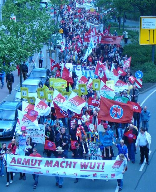 """1. Mai 2010 - """"Der Mensch muss im Mittelpunkt stehen ..."""""""