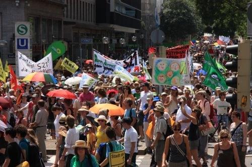 "15.000 beim Protestfestival gegen ""Stuttgart 21"""
