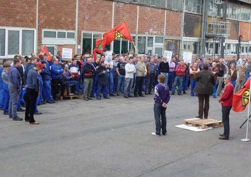 """Protestkundgebung bei Coperion Stuttgart: """"Rente mit 67"""" und Gesundheitspolitik angegriffen"""