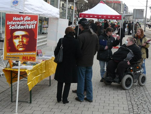 Magdeburger demonstrieren gegen Neofaschisten
