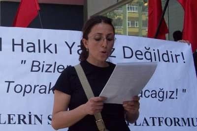 """Sofortige Freilassung von Eylem Vural - """"Als Frauen der Welt verteidigen wir unsere Schwestern!"""""""