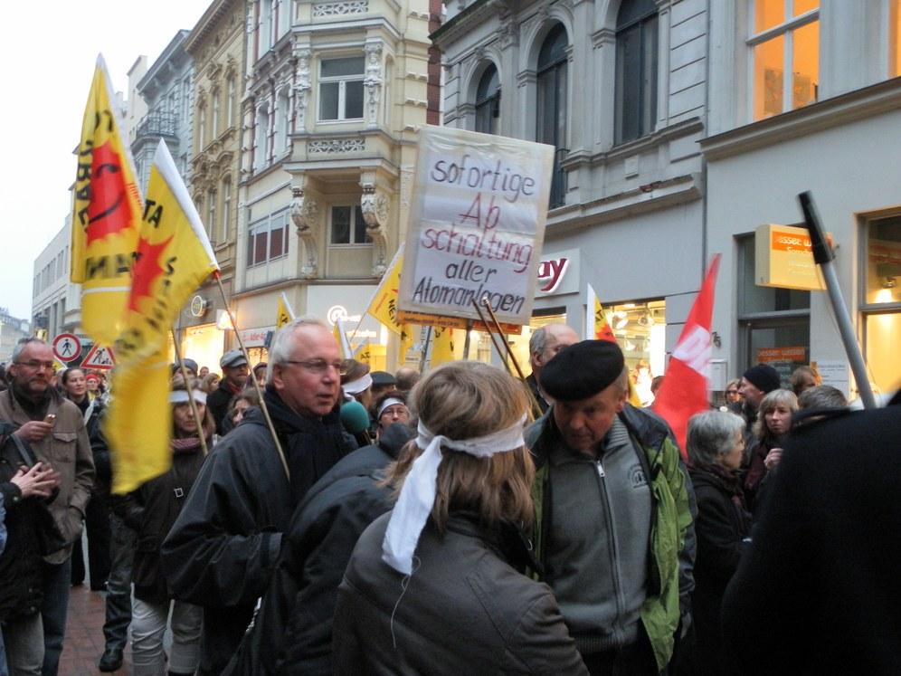 Protestaktionen für die Stilllegung aller Atomanlagen in mehr als 450 Städten