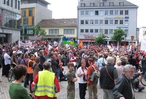 1. Mai 2011: Wachsende Suche nach einer Alternative zum Kapitalismus und Proteste gegen die Atompolitik der Herrschenden