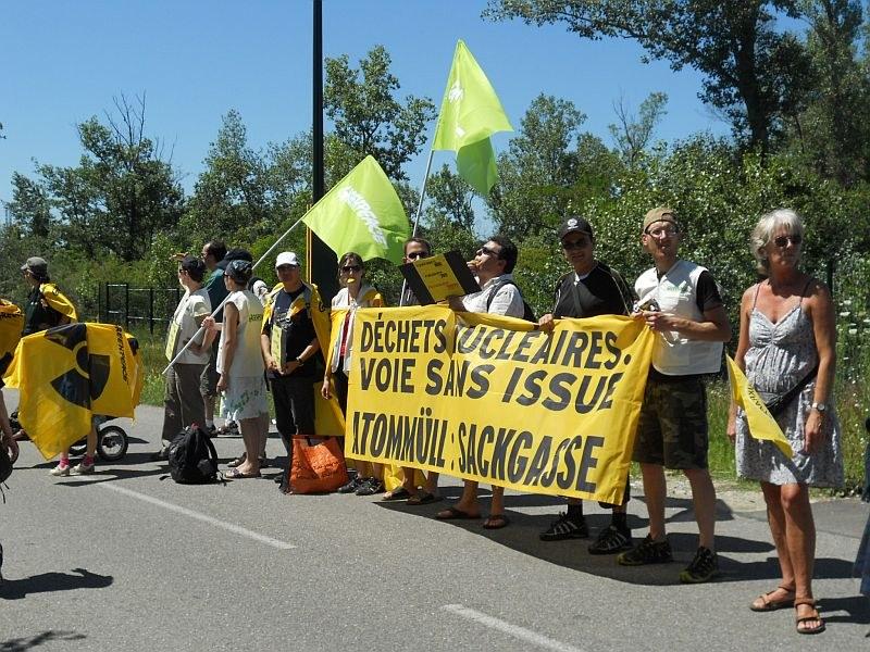 Zehntausend gegen AKW Fessenheim auf der Straße