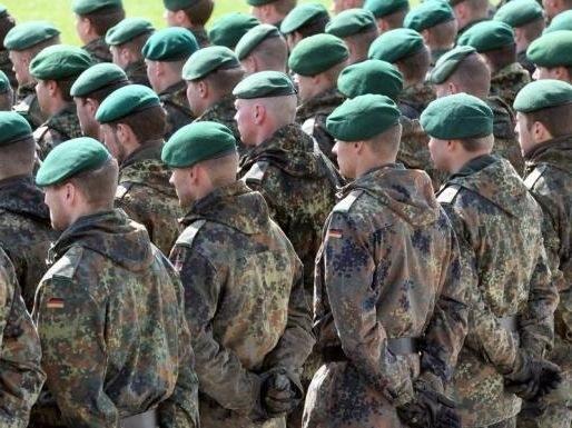 """Mehr als jeder fünfte """"Freiwillige"""" kehrt der Bundeswehr den Rücken"""