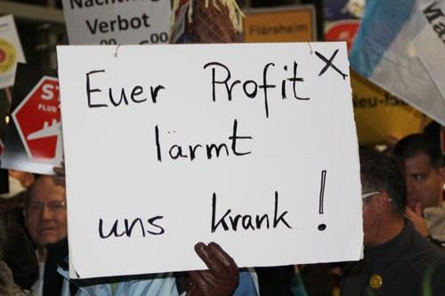"""""""Lärmterroristen"""" am Pranger bei Frankfurter Montagsdemo gegen Flughafenausbau"""