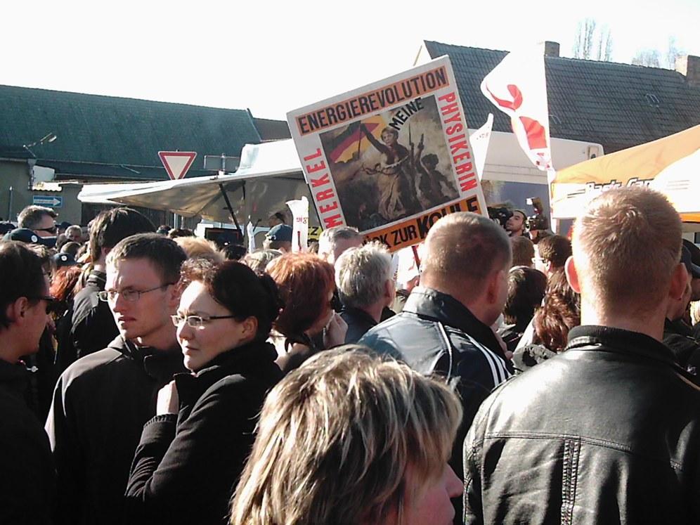 Streik und Demo der Beschäftigten der Solarindustrie in Bitterfeld-Wolfen