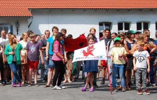 Kindercamp schreibt nach Spanien