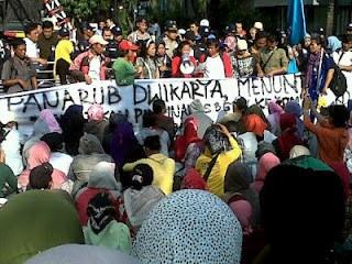 Solidarität mit den streikenden und entlassenen Panarub/Adidas-Kollegen in Jakarta!