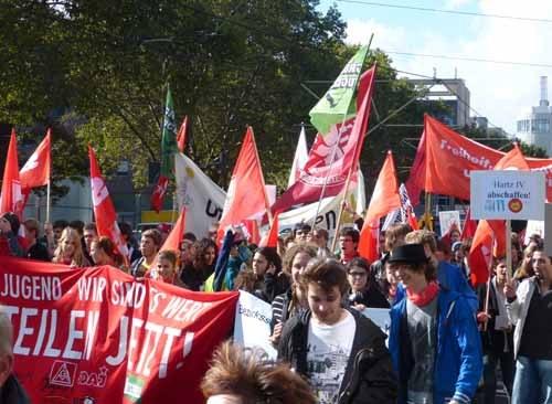 """Proteste gegen Krisenprogramme in Spanien, Portugal und Frankreich - 40.000 beim """"Umfairteilen""""-Aktionstag in Deutschland"""