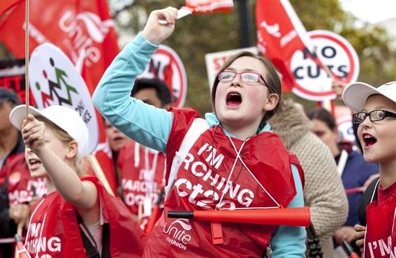 Hunderttausende demonstrieren auch in Großbritannien und Italien - europaweiter Aktionstag am 14. November
