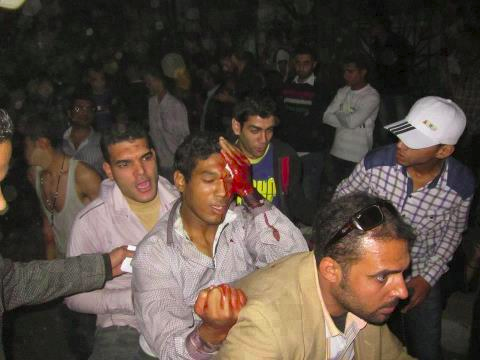 "Ägypten: 23.000 Textilarbeiter demonstrieren - ""Muslimbrüder"" überfallen Revolutionäre"