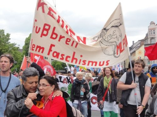 Kämpferische antifaschistische Demonstrationen in Solingen und Karlsruhe