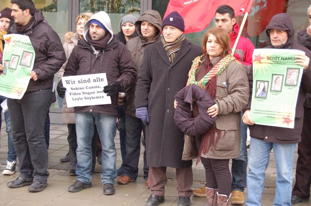 Weltweite Proteste nach der Ermordung der kurdischen Freiheitskämpferinnen