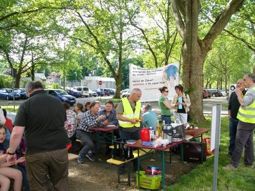 """Protest-""""Hocketse"""" gegen Arbeitsplatzvernichtung im Heilbronner Telefunkenpark"""