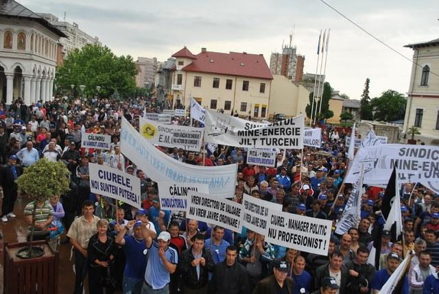 Streiks und Minenbesetzungen in Kolumbien und Rumänien