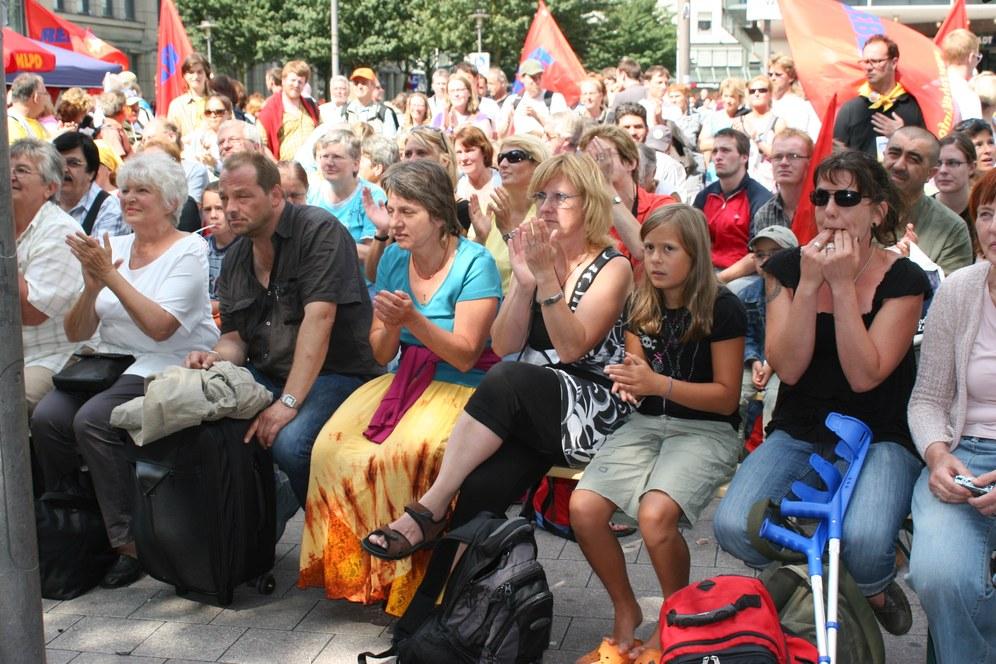 Power beim Wahlkampfauftakt der MLPD in Kassel und gegen antikommunistische Boykottmaßnahmen