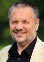 Stefan Engel spricht in Gelsenkirchen