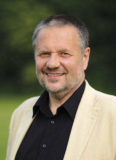 Ausführliches Video-Interview mit Stefan Engel zur Arbeit am REVOLUTIONÄREN WEG zur Umweltfrage