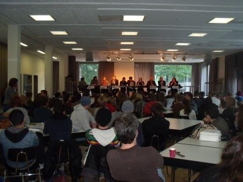 """Podiumsdiskussion mit MLPD-Vertretern: """"Das System ist das Problem"""""""