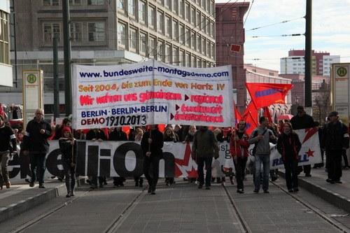 Bundesweite Montagsdemo-Bewegung sagt künftiger Regierung den Kampf an