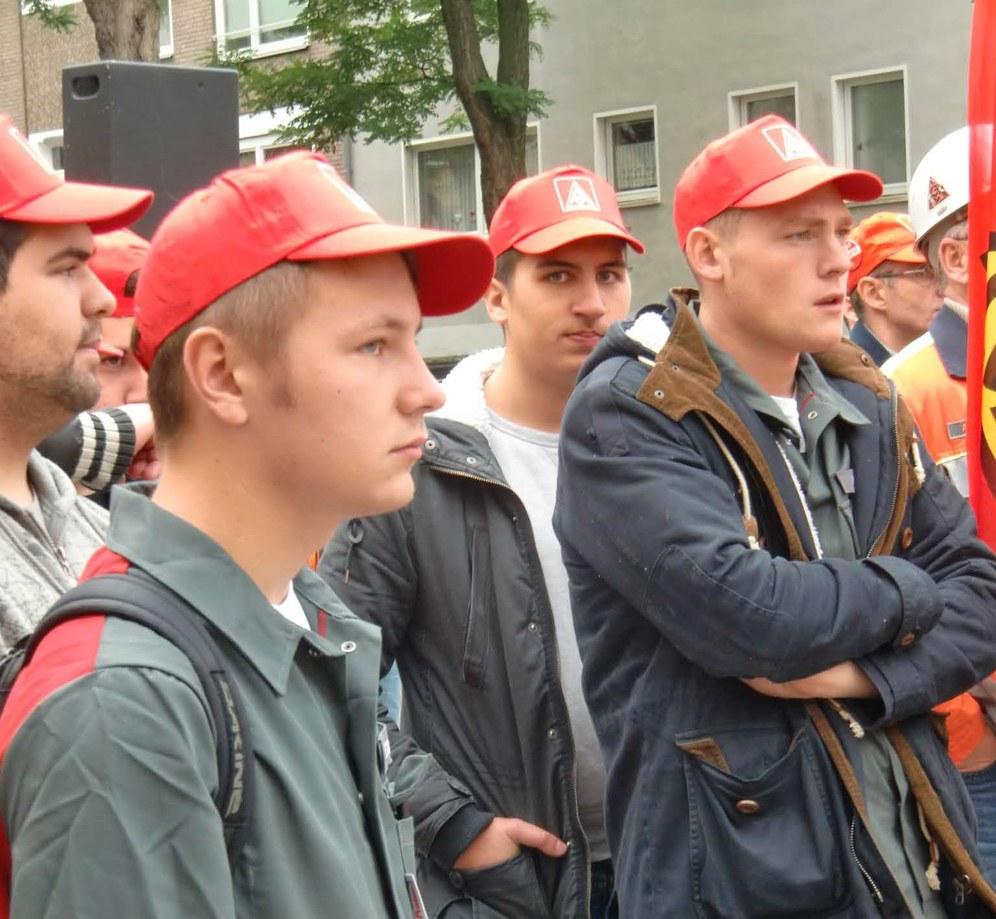 Kämpferische Protestkundgebung gegen Arbeitsplatzvernichtung