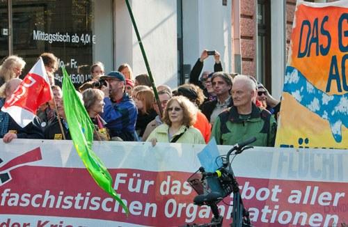 Antifaschisten übertönen NPD-Hetze gegen Flüchtlinge