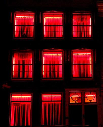 """""""Prostitution abschaffen"""" - ein brisantes Thema am diesjährigen Tag gegen Gewalt an Frauen"""
