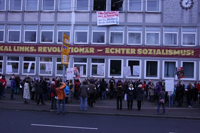"""""""Echter Sozialismus bleibt die Perspektive und das Banner an der 'Horster Mitte'"""""""